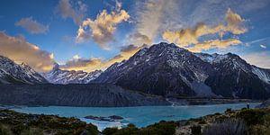 Zonsopgang over Mueller Lake en Mount Cook
