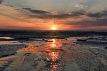 Zonsondergang op de Zeeuwse stranden van Jim Looise