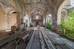 geplatzte verlassene Kirche