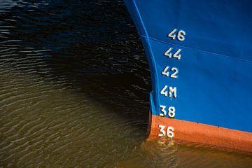 Navire de pêche à IJmuiden sur scheepskijkerhavenfotografie
