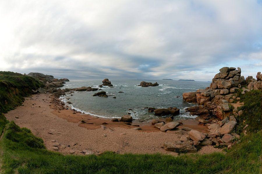 Frankrijk, Bretagne: Bretonse kust bij Ploumanach