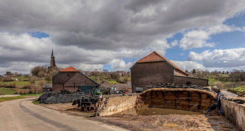 Kerkdorp Vijlen in Zuid-Limburg van John Kreukniet