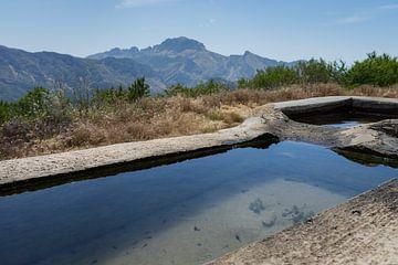 De fontein van de jeugd in de bergen van Montepuro