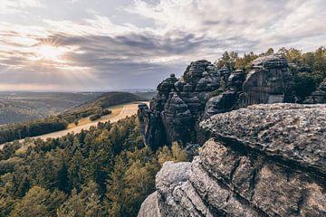 Elbsandsteingebirge - Ausblick im Abendlicht - Bearbeitung mit Farbfilter von Ralf Lehmann