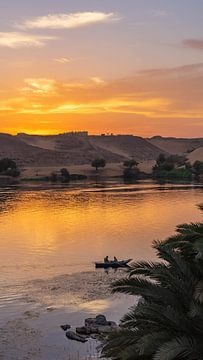 Zonsondergang bij de Nijl in Aswan (Egypte) van Jessica Lokker