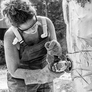 Kunstenares beeldhouwer von Hans Verduin