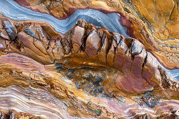 Een detail van een rotswand - Playa del Silencio - 1 van Danny Budts