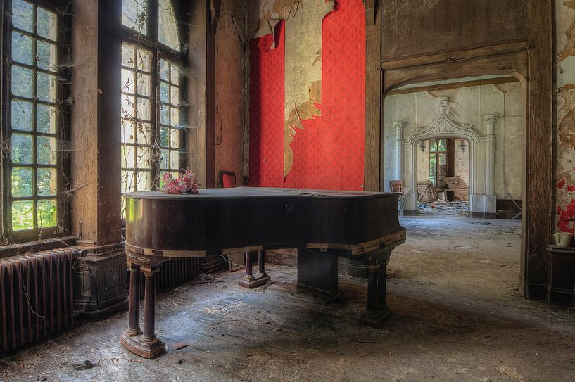 Das alte vergessene Klavier von Truus Nijland