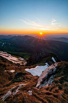 Zonsondergang van Schäfler naar Zwitserland van Leo Schindzielorz