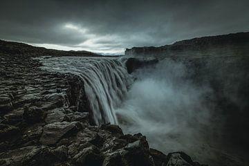 Dramatisch Dettifoss waterval in ijsland van Michael Bollen