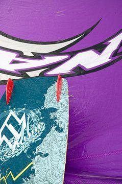 Bunte Farben beim Kitesurfen von Richard Zeinstra