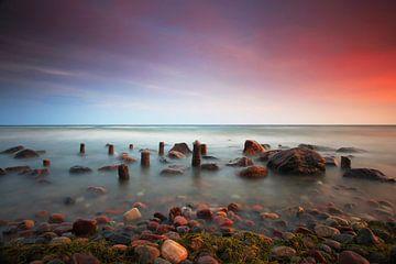 Am Strand des  Meeres von Frank Herrmann