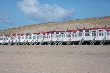 Strandhuisjes op strand Egmond aan  Zee van Ronald Smits