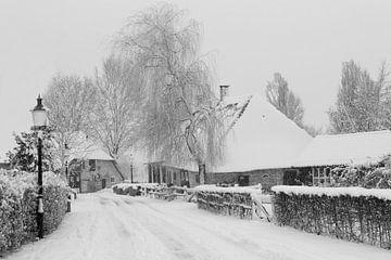 Giersbergen in de winter, zwart wit. von Jani Moerlands