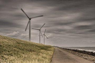 Windturbines op dijk  van Jos Reimering