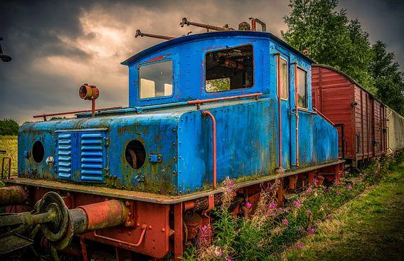 Zugsatz mit Lokomotive und Wagen oder Wagen