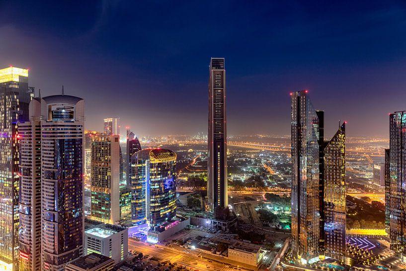 Dubai Skyline zonsondergang van Rene Siebring