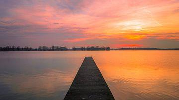 Zonsondergang vanaf het Valkenburgse meer sur Richard Steenvoorden