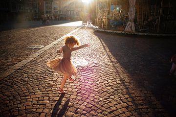 Dress in Mulhouse von Shirley Brandeis