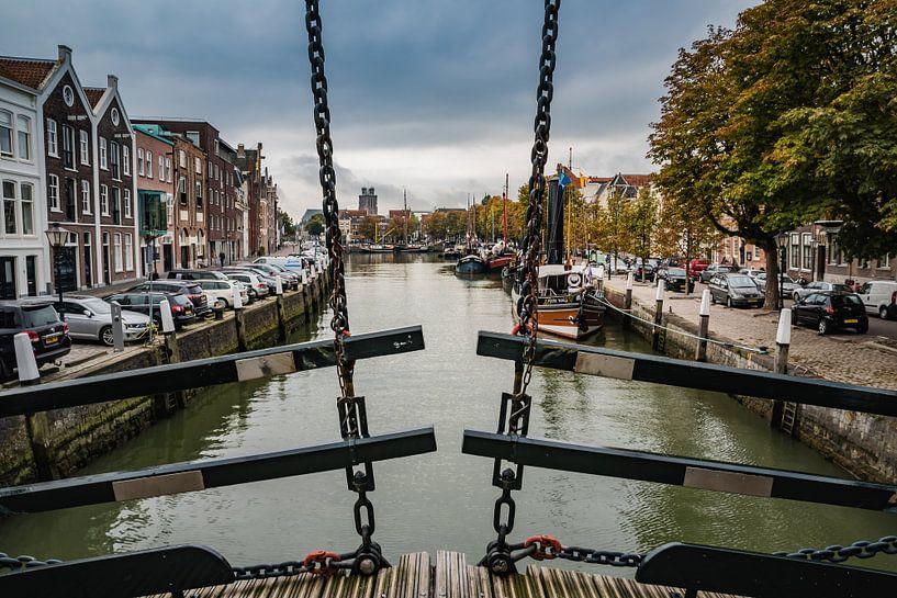 Dordrecht vanaf de Damiatebrug van Mirjam Boerhoop - Oudenaarden