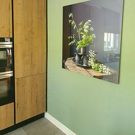 Klantfoto: Stilleven met Fluitenkruid en tin op hout [vierkant] (gezien bij vtwonen) van Affect Fotografie, op aluminium