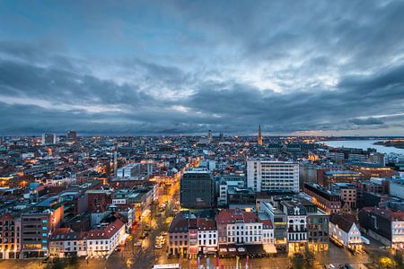 Antwerp by Night von Frenk Volt