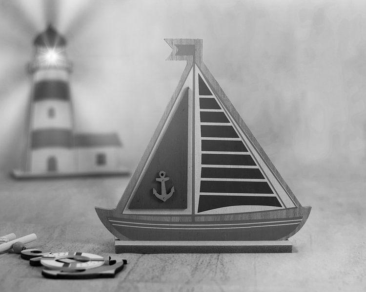 Zeilboot en vuurtoren zwart/wit van Wendy Tellier - Vastenhouw