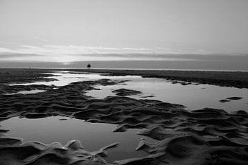 Zonsondergang in zwart/wit van geen poeha