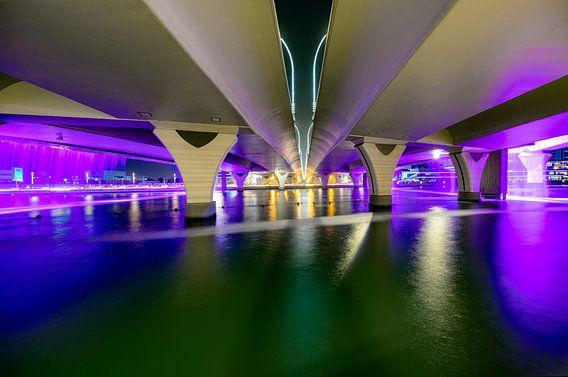 Open de Waterkanaalwaterval van Dubai van Rene Siebring