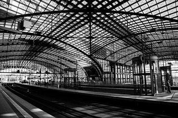 Hauptbahnhof Berlijn von Jurgen Corts