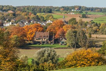 Kerkdorpje Epen in herfstkleuren