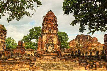 Wat Phra Mahathat tempelcomplex von Ilya Korzelius