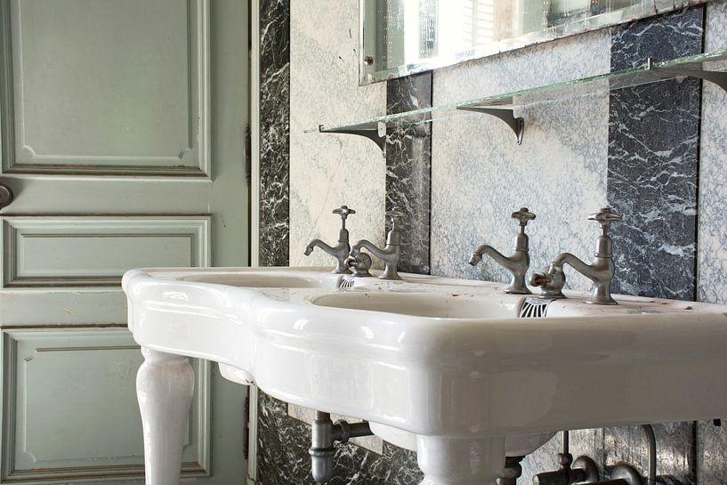 Urbex - badkamer van Tim Vlielander