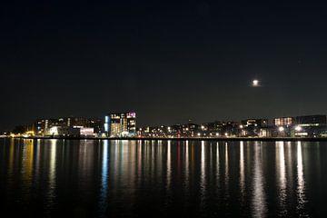 Mondfinsternis über Amsterdam von Mees Zijlker