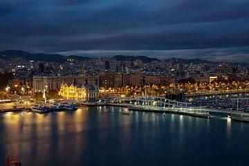 Hafen von Barcelona bei Nacht von Jürgen Wiesler