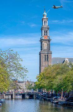 Dutch Dakota boven de Westertoren in Amsterdam van Peter Bartelings Photography