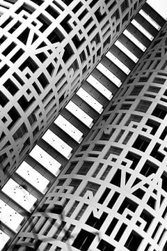 Détail abstrait du bâtiment en noir et blanc. Lignes et formes sur Marianne van der Zee