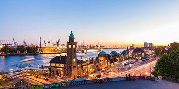 Ponts d'atterrissage St.Pauli à Hambourg sur Werner Dieterich