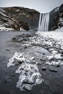 Wasserfall auf Island im Winter von road to aloha