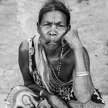 Frau mit Zigarre von Affect Fotografie