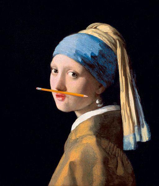 Fille avec une boucle d'oreille en perle avec un crayon sous le nez sur Maarten Knops