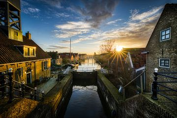 Zonsondergang boven Hindeloopen in Friesland van Bas Meelker