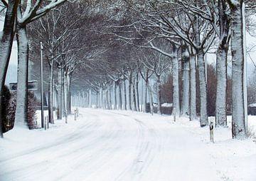 Kapellen in de sneeuw van Eugene Lentjes