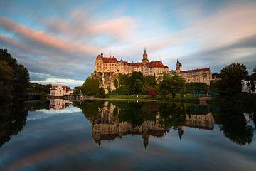 Kasteel Sigmaringen met een prachtige zonsondergang van Jiri Viehmann