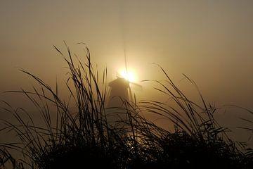 Molen tijdens zonsopkomst. von G. de Wit