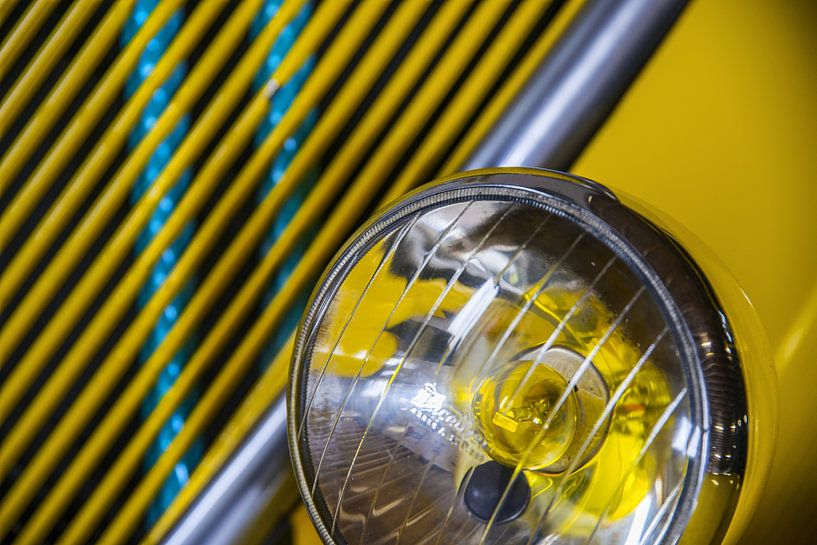 Gele koplamp von Wim Goedhart