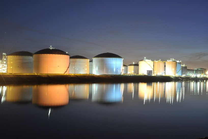 Olieopslag in Europort van Edwin Sonneveld