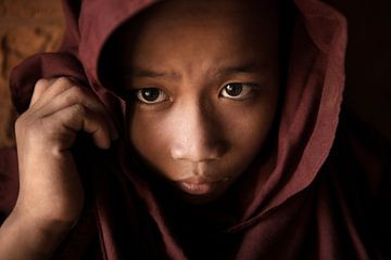 Junger auszubildender Mönch von Henny Hagenaars