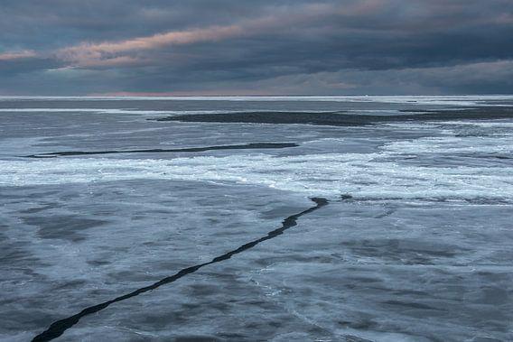 Breken door zee-ijs in Antarctica van Eefke Smets