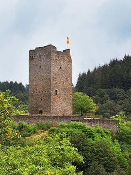 Ruïne Oberburg Manderscheid in de Eifel van Jörg Hausmann